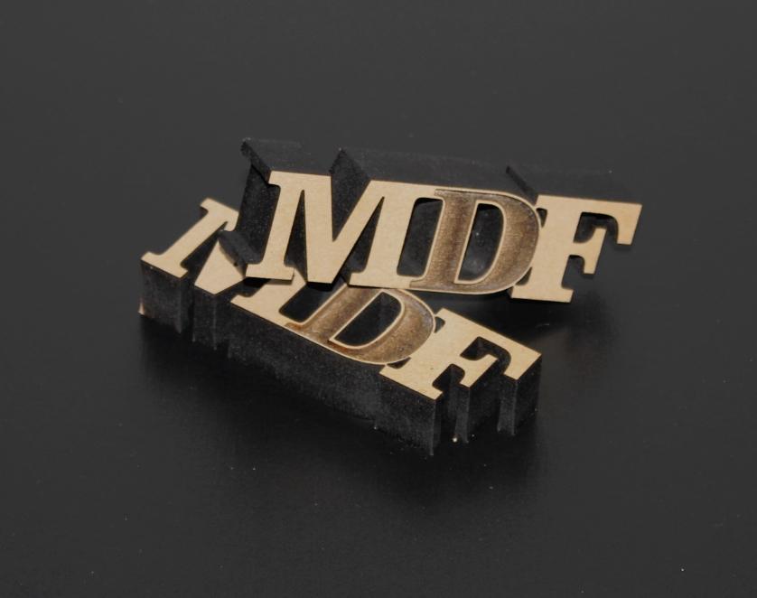 MDF切文字